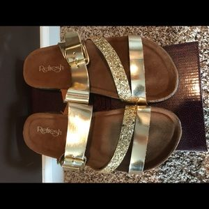 Refresh Gold Sandals NWT size 8.5